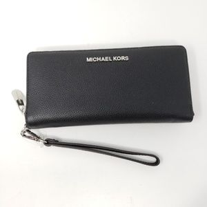 Brand New Michael Kors Wrislet Long Wallet